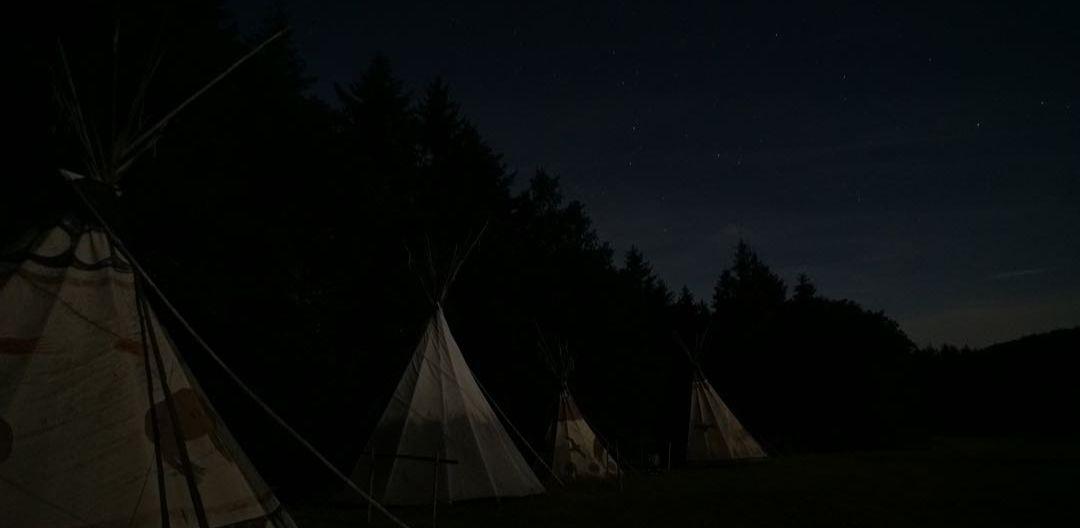 Nachts beim Tippidorf