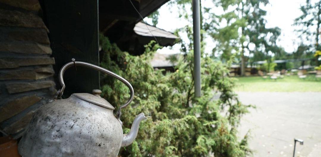 Teekessel auf dem Hof